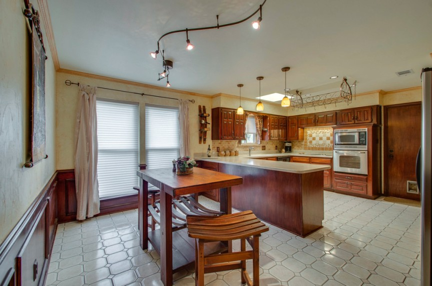 3162 Stone Creek Lake kitchen