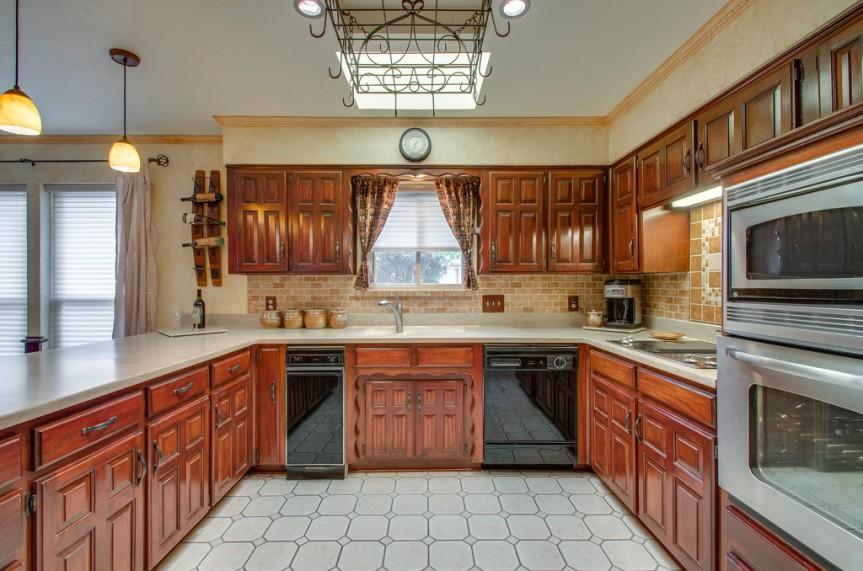 3162 Stone Creek Lake kitchen 2
