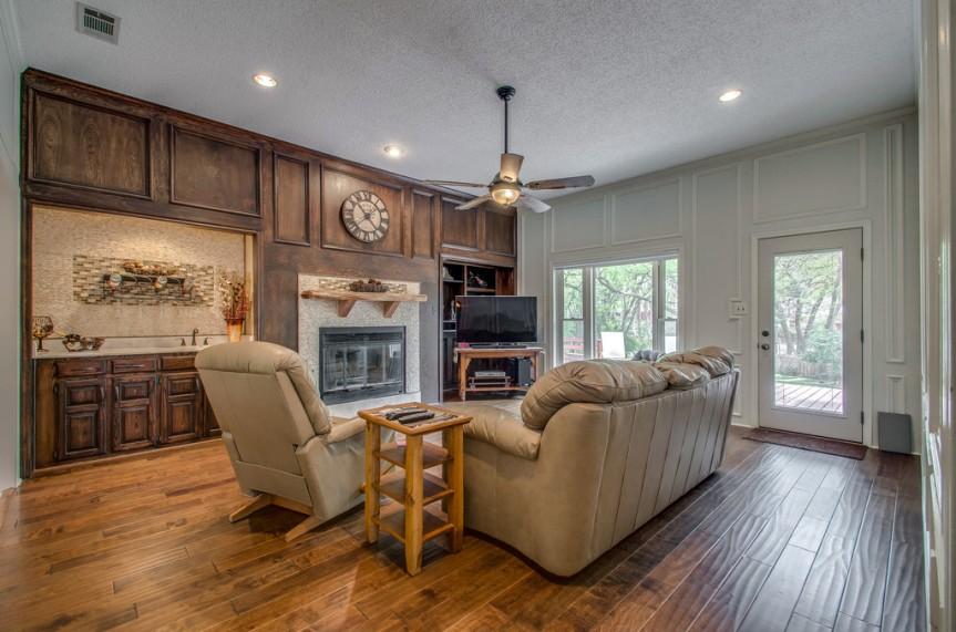 3162 Stone Creek Lake living room