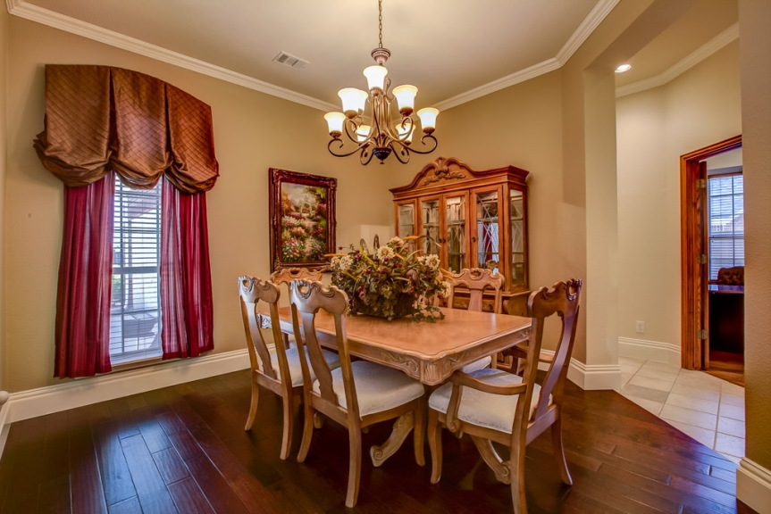 305 parkview dining room