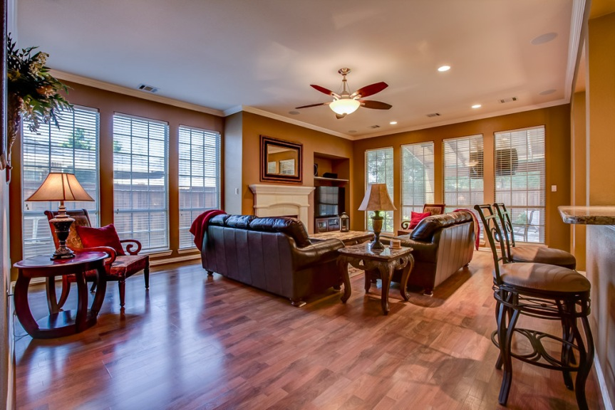 305 parkview living area 2