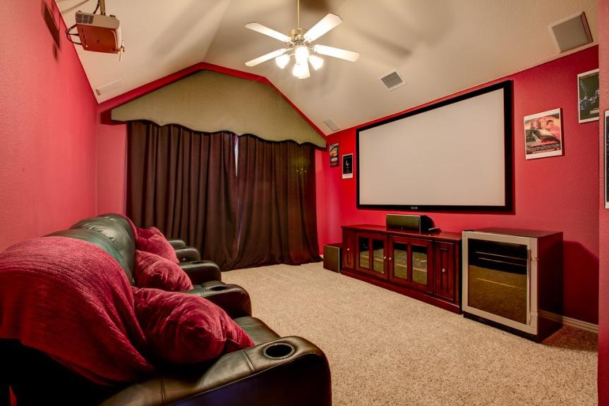 305 parkview media room