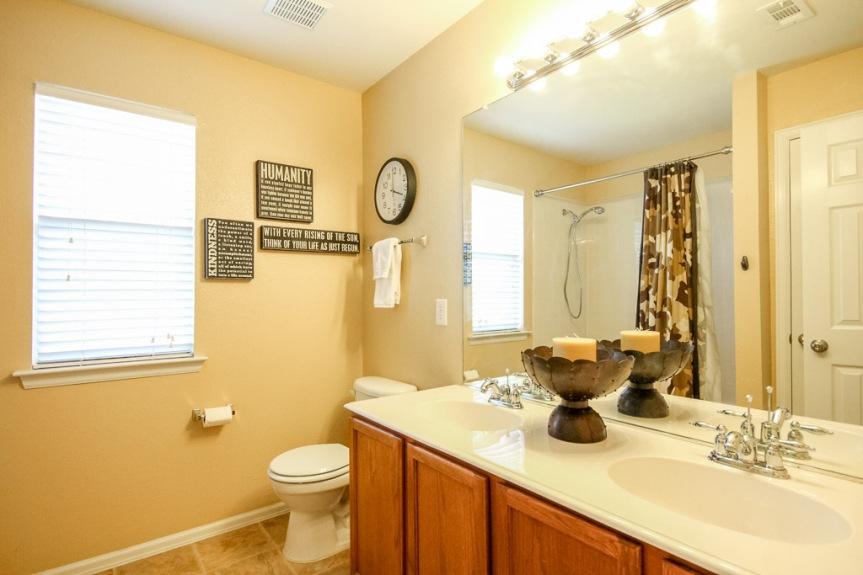 7933 Spring Run Bathroom