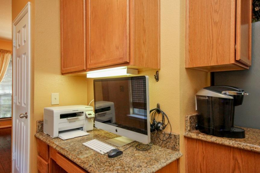 7933 Spring Run Kitchen Study Station