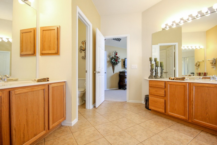 7933 Spring Run Master Bathroom 2