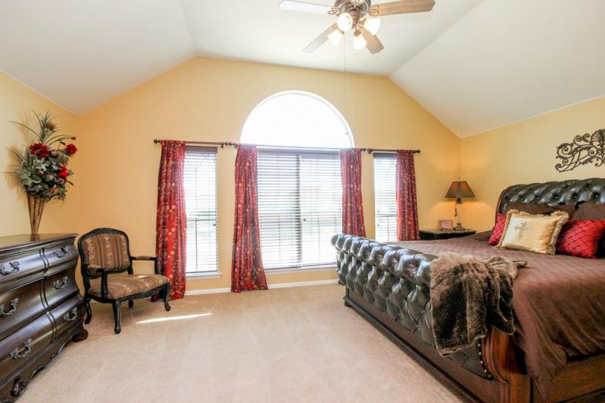 7933 Spring Run Master Bedroom