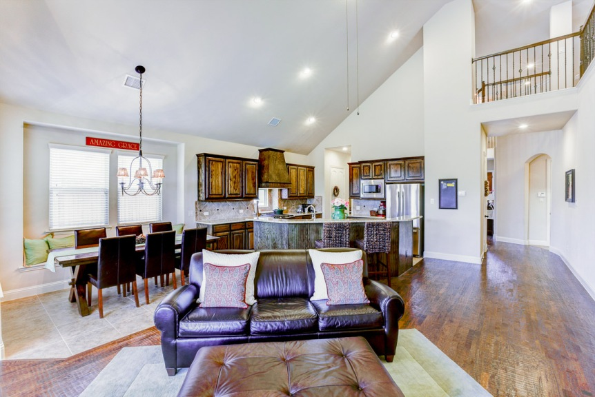 1232 Grant Living Area Dining Area Kitchen