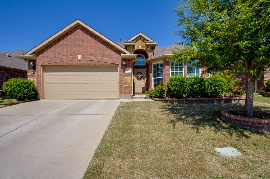 71401_897 Witherby Ln, Lewisville TX 75067-Caydee Jennings ONSITE pic vid 3D_31-03-2018.0040hdr